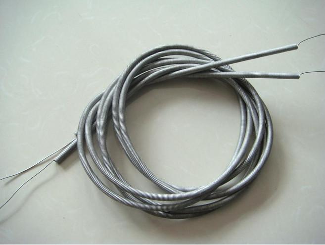密绕弹簧状电炉丝厚度 电热丝的直径厚度是与最高使用温度相关的参数